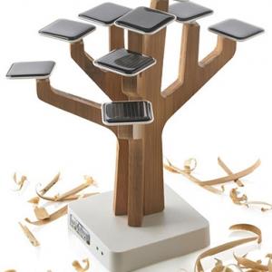 Chargeur solaire en forme d'arbre